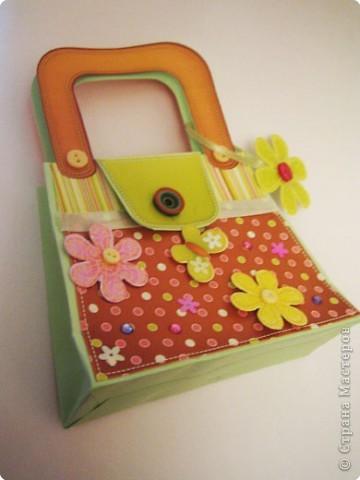 Вот такую сумочку сделали с дочкой из готового набора для творчества. фото 1