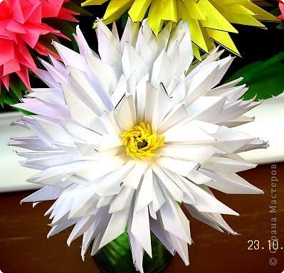 Просто влюбилась в эти цветы! Для Осеннего бала сделали их 10 штук. Девочки каждая сделали по цветочку и получился этот замечательный букет! фото 4