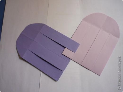 Кармашек сделан по принципу плетёных листочков, только заготовки сложены вдвойне и соединены без клея. фото 5