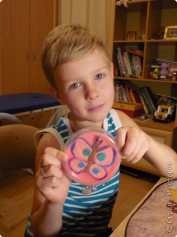 Мой друг- Максим (6 лет). Он очень любит пластилин. фото 1