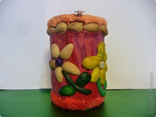 Вот такую вазу для карандашей мне сделала доченька. 6 лет