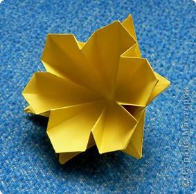 """Перед вами рецепт очередного модуля очередной цветочной кусудамы. Кусудаму эту нашла в книге С.Соколовой """"Бумажные орнаменты, звезды, гирлянды...""""  фото 20"""