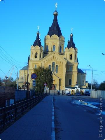 Построен в 1880году,закрыт в 1929, службы возобновились в 1992 году.Реставрация продолжается...12 сентября 2009года Собору присвоен статус кафедрального. фото 3