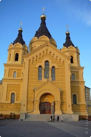 Построен в 1880году,закрыт в 1929, службы возобновились в 1992 году.Реставрация продолжается...12 сентября 2009года Собору присвоен статус кафедрального. фото 4