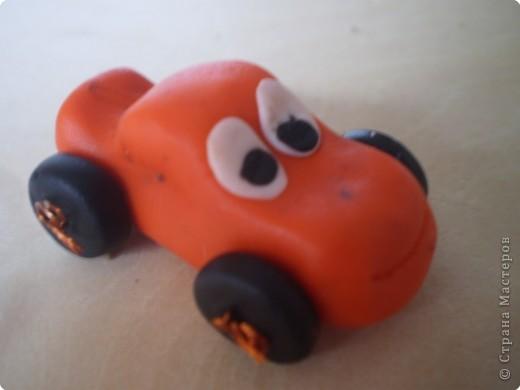 Машинка из пластики