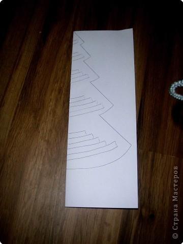 Эти елочки получаются в результате склеивания одинаковых деталей. фото 6