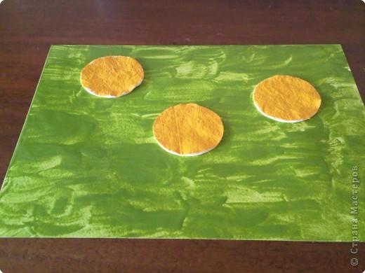 Возьмем лист плотной бумаги. Для малышей А4 хватит. Положим лист перед собой горизонтально. фото 7