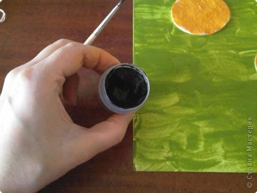 Возьмем лист плотной бумаги. Для малышей А4 хватит. Положим лист перед собой горизонтально. фото 8