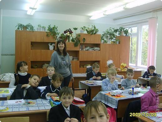 Каждую субботу я помогаю Надежде Ивановне (кл.руководителю) вести урок технологии. Сегодня я предложила детям торцевание пластилином. не хватило времени , но всем понравилось. фото 1