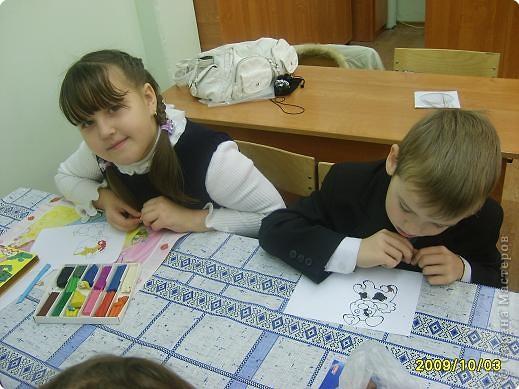 Каждую субботу я помогаю Надежде Ивановне (кл.руководителю) вести урок технологии. Сегодня я предложила детям торцевание пластилином. не хватило времени , но всем понравилось. фото 2