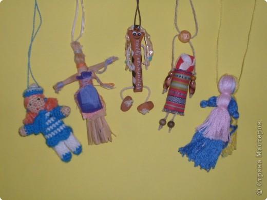 Кукла-оберег. Делались из подручного материала: солома, нитки, глина, тряпочки.   фото 1