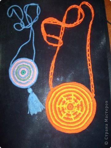 """Из """"ириса"""" люблю вязать такие вот кулоны-медальоны.  фото 1"""