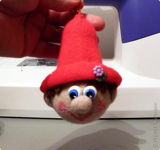 Веселый гномик, для пуговиц домик Была идея сделать новогоднюю игрушку на елочку, т.к. Новый Год уже не за горами.  фото 7