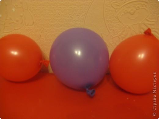 Таких снеговичков я делала в детстве. Недавно в Стране увидела петушка из ниток http://stranamasterov.ru/node/24544?tid=303. И урррра, все вспомнила!!! Как раз, вовремя, ведь скоро Новый год! фото 6
