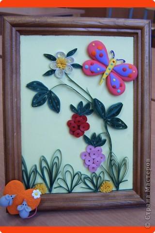 Тюльпаны.   Моя самая первая работа, которую делала на курсах по квиллингу в Студии Бумажного Творчества в Санкт-Петербурге фото 3