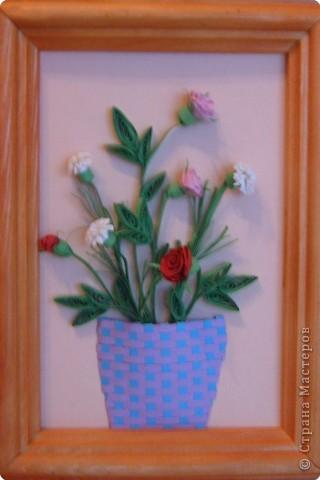 Тюльпаны.   Моя самая первая работа, которую делала на курсах по квиллингу в Студии Бумажного Творчества в Санкт-Петербурге фото 4