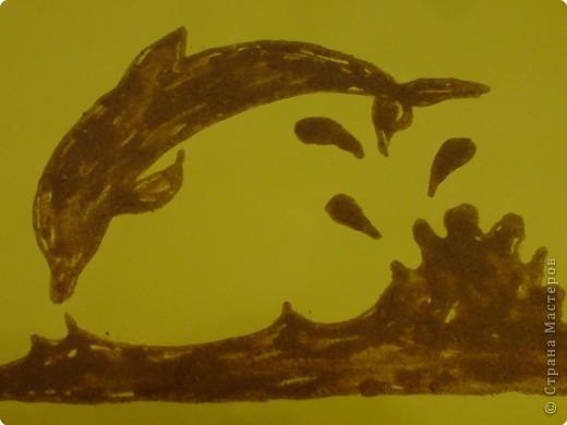 Дельфин из песка
