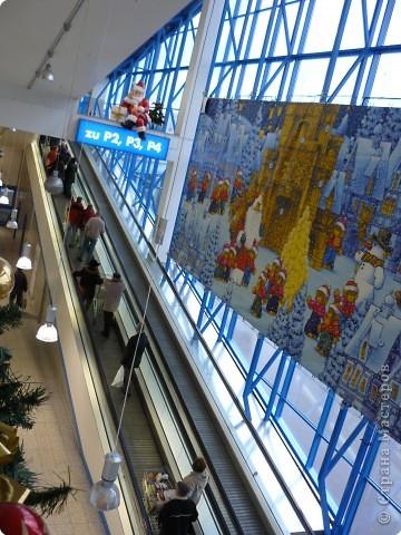 В торговых центрах устанавливают уже огромные ёлки фото 5