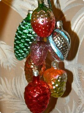 Мой любимый праздник- новый год.  Из елочных игрушек всегда больше других любила  шары. Именно этим более 20 лет. Мне их дарили на 1 курсе института. фото 15