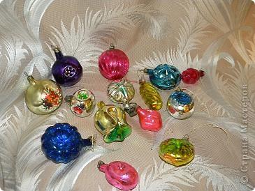 Мой любимый праздник- новый год.  Из елочных игрушек всегда больше других любила  шары. Именно этим более 20 лет. Мне их дарили на 1 курсе института. фото 6