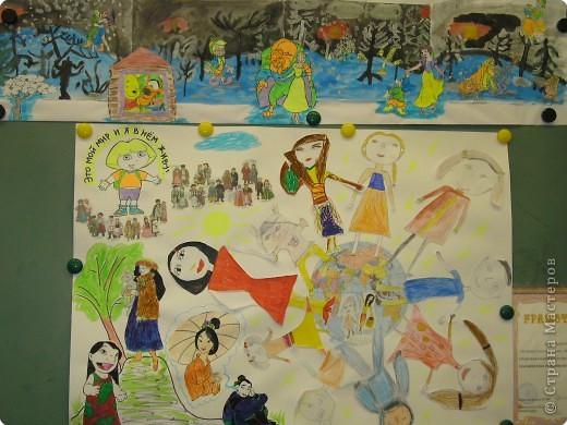 Дети очень любят рисовать, заполнять пространство цветом - дай только мелки(карандаши, пастель и т.д и лист или поверхность) фото 9