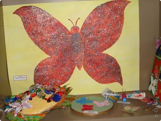 Ну вот и свершилось! За окнами - снег, а у нас в детском саду всеми цветами радуги переливаются крылья бабочек!  фото 26