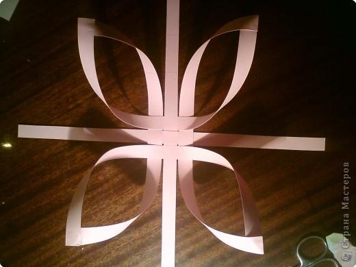 Звезда получается объёмной. В моём вареанте с одной стороны белая, с другой стороны  розовая. фото 5