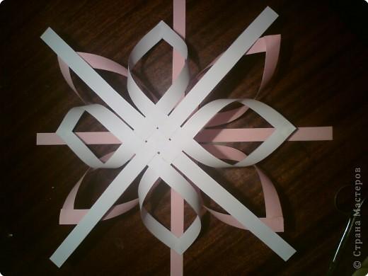 Звезда получается объёмной. В моём вареанте с одной стороны белая, с другой стороны  розовая. фото 7