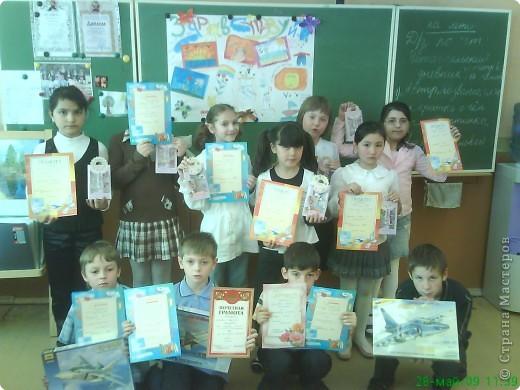 Дети очень любят рисовать, заполнять пространство цветом - дай только мелки(карандаши, пастель и т.д и лист или поверхность) фото 17