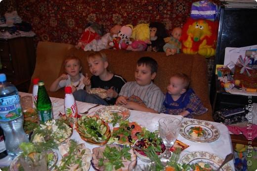 все дети за столом фото 1