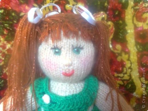 Вязание спицами: Кукла в подарок фото 3