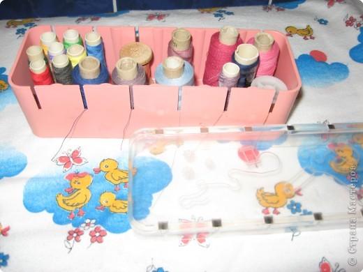 Штампы-печатки  из губки.Вырезать,приклеить на Титан к пробке(крышке от минералки  или сока ).Все ,можно ставить печать. фото 4