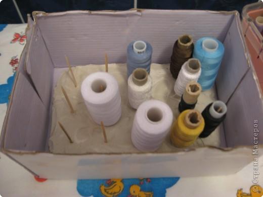 Штампы-печатки  из губки.Вырезать,приклеить на Титан к пробке(крышке от минералки  или сока ).Все ,можно ставить печать. фото 7