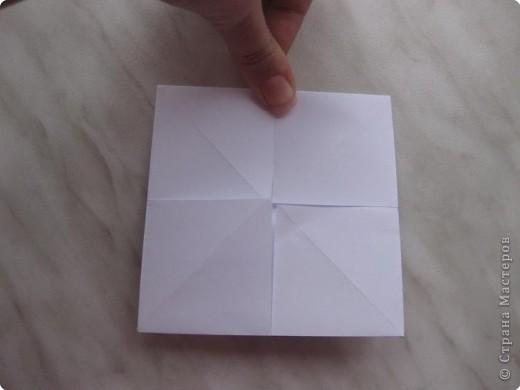 Нужно взять лис бумаги квадратной формы.В дужках я буду писать сказку (жил бедный селянин, был у него большой участок земли) фото 7