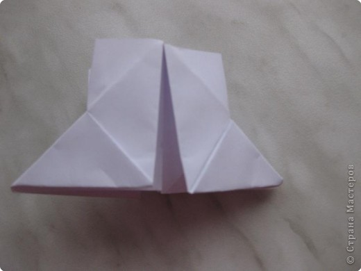 Нужно взять лис бумаги квадратной формы.В дужках я буду писать сказку (жил бедный селянин, был у него большой участок земли) фото 14