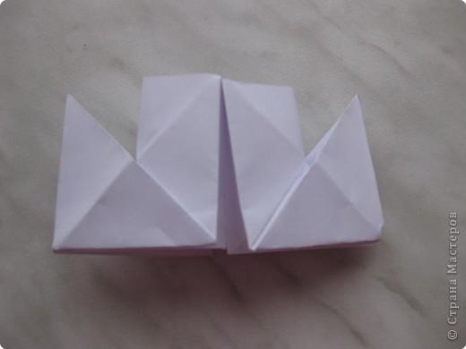Нужно взять лис бумаги квадратной формы.В дужках я буду писать сказку (жил бедный селянин, был у него большой участок земли) фото 15