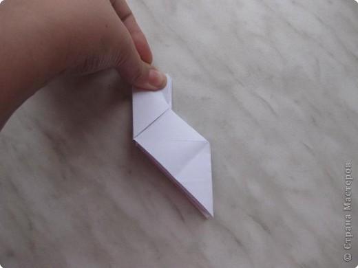 Нужно взять лис бумаги квадратной формы.В дужках я буду писать сказку (жил бедный селянин, был у него большой участок земли) фото 19