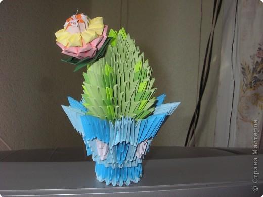 """Этот кактус - моя последняя работа в технике """"Модульное оригами"""" Спасибо авторам идеи!"""