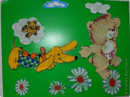 Дети любят вырезать. Можно предложить вырезать из ткани различные фигуры, затем составлять картинки-аппликации. Это занятие еще развивает вооображение, чувство композиции.Просто доставляет удовольствие! фото 3
