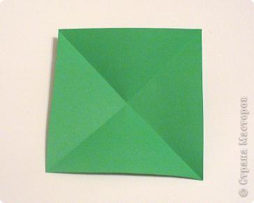 Коробочки-елочки можно использовать для упаковки нубольших подарков вытянутой формы.  фото 3