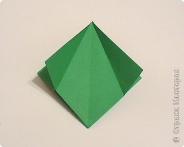 Коробочки-елочки можно использовать для упаковки нубольших подарков вытянутой формы.  фото 7