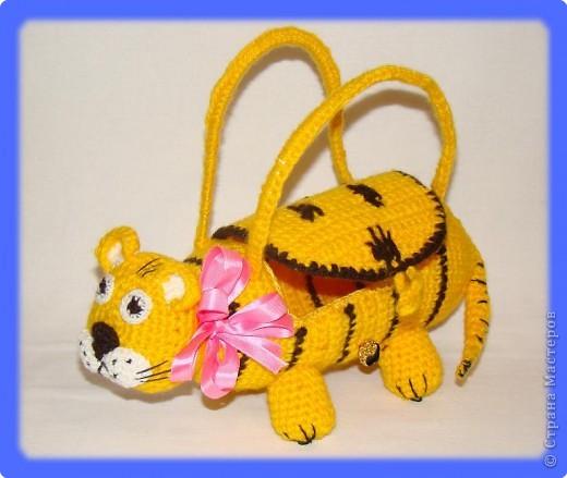 Вязание крючком: Тигровая Новогодняя сумочка