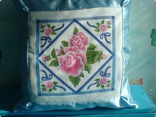 Вышивка крестом: Подушки с вышивкой фото 2