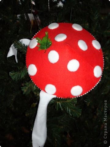 Моему большому другу Андрюше нужна была шапочка для танца мухоморчиков на новогодний утренник в детский сад. фото 2