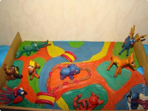 Год назад сын решил объединить свои старые работы в одну. Получился такой зоопарк из 9 животных. фото 1