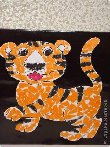 """Ну вот и дочкин тигруля готов. Дочке помогали все- сын помогал клеить, я собрала все в открытку, а муж- дал """"хвою"""" для елки. фото 1"""