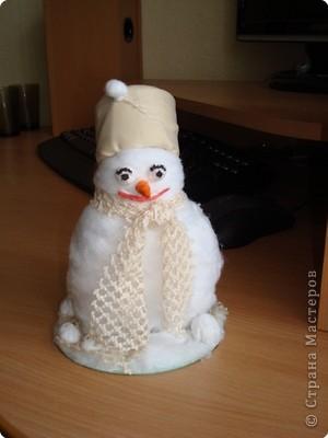 Вот какой получился у меня снеговик! фото 1