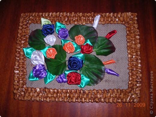 Моя первая работа  по плетению  рамочки из газеты фото 2