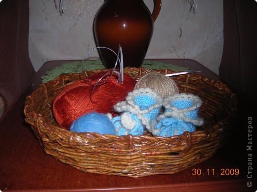 Моя первая работа  по плетению  рамочки из газеты фото 8