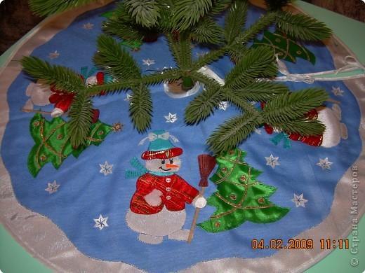 """Гильоширование: """"Маленькой ёлочке холодно зимой...""""(коврик под ёлочку) фото 1"""